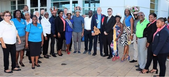 Grand reception to RI President at St Maarten airport